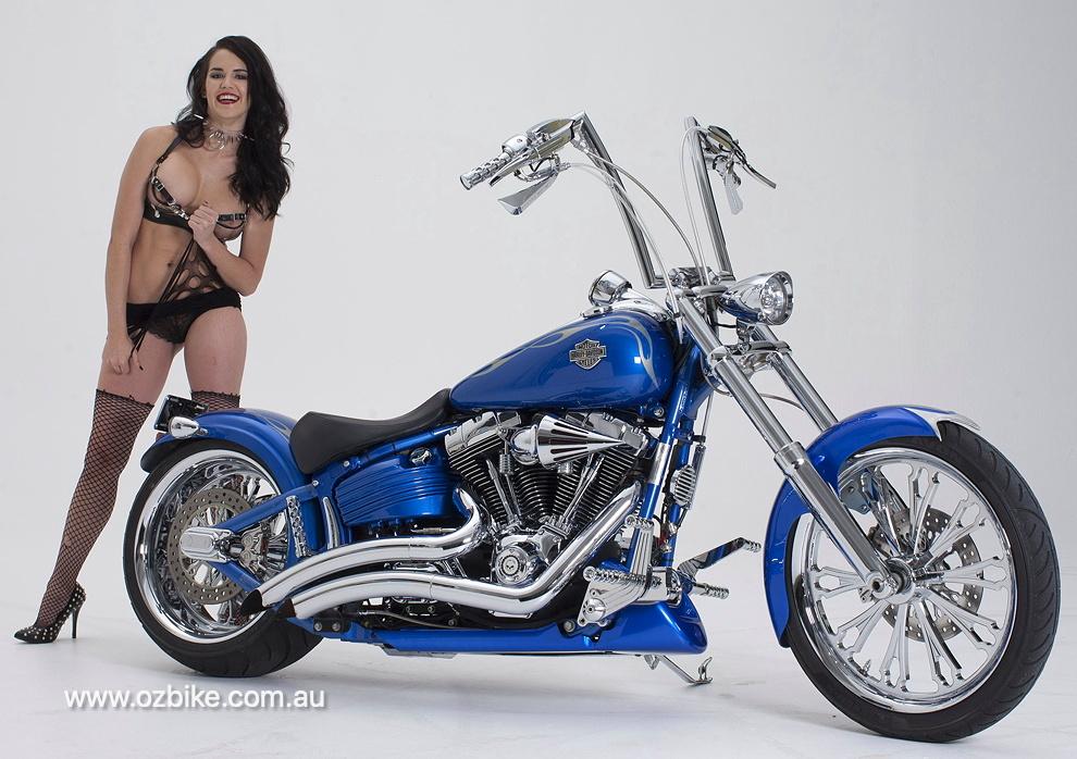 Harley-Davidson Rocker C 1