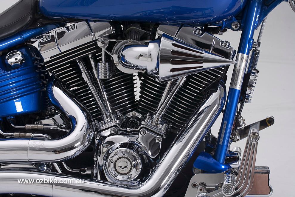Harley-Davidson Rocker C 3